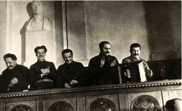 Этот жутковатый праздник на Руси породил слово